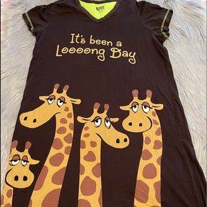 Lazy one Giraffe night gown S/M EUC